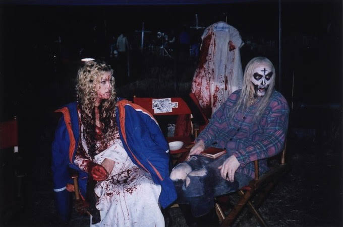 Bill Moseley and Sheri Moon Zombie in House Of 1000 Corpses