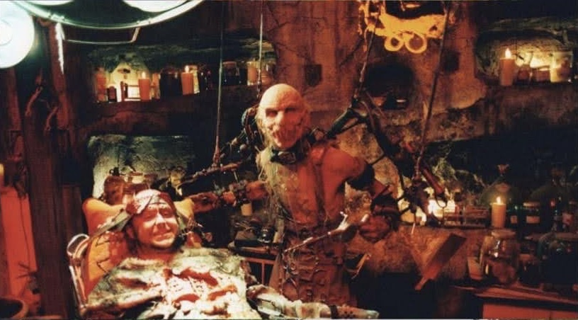 Walter Phelan and Chris Hardwick in House Of 1000 Corpses